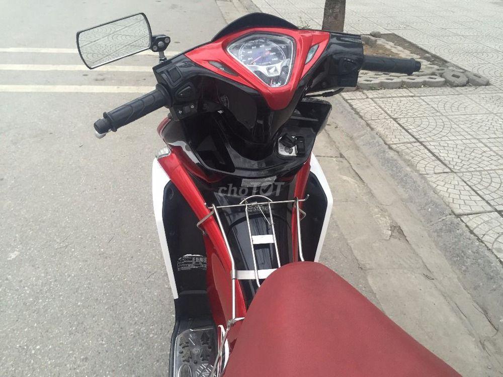 Air Blade fi đỏ trắng đkí 2o13 chính chủ