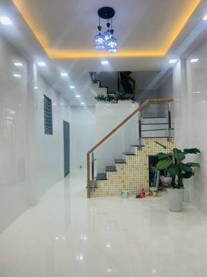 Bán nhà mới 37m2, mặt tiền LêThị Bạch Cát P13 Q11