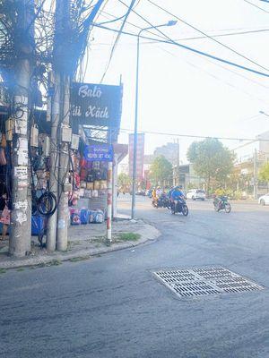 Bán nhà MT đường Nguyễn Việt Hồng , con đường kinh