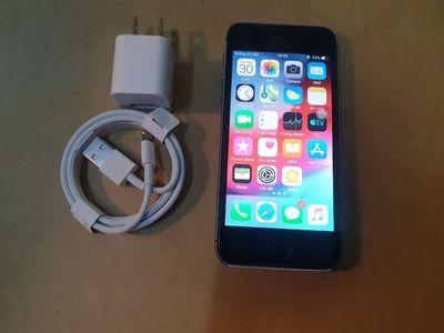 Apple iPhone 5S Đen 16 GB mvt
