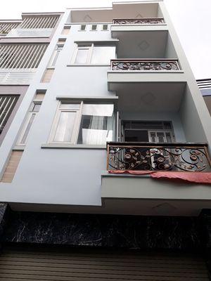 Nhà mới 3 lầu HXH 5m nguyễn đình chính. DT:4.4x13m