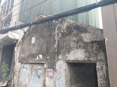 Bán đât cấp 4 Giáp Bát ô tô đỗ cửa vào nhà .83m2