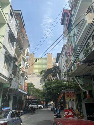 Nhà cấp 4 sau tòa tháp doanh nhân Trần Phú Hà Đông