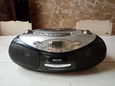 Đài radio cassette s.a.n.y.o