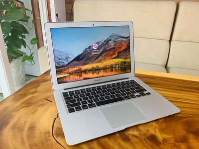 Macbook Air 2017 i5 8GB RAM 128GB