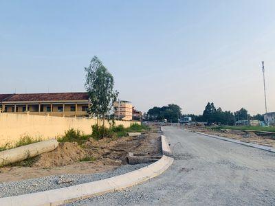 Đất Nền Trước Cổng Trường Học Thị Trấn Núi Sập