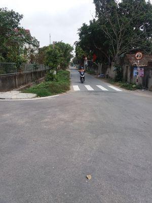 Cần bán mảnh đất mặt đường xã thôn đồng quang  ĐTu