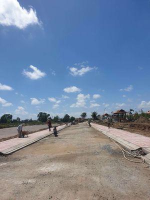 Đất mặt tiền đường thông ra cụm công nghiệp