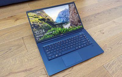 Acer Swift 5 I5-8265U Pin dùng 10H nặng 999gram