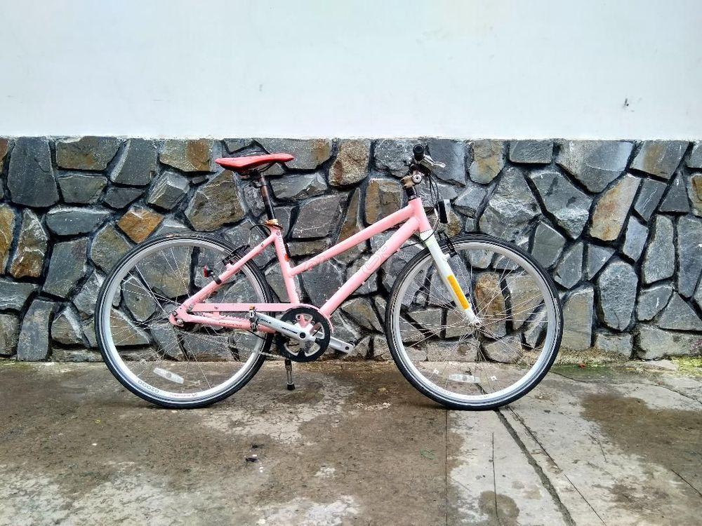 xe thể thao Tuoring (MIYATA) đùm 8 số , màu hồng