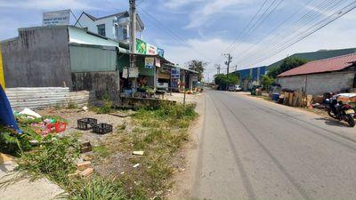 Đất mt747 sát chợ Quang Vinh 3 TX.Tân Uyên