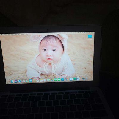 Apple Macbook Air 2015  1.6ghz i5 8gb