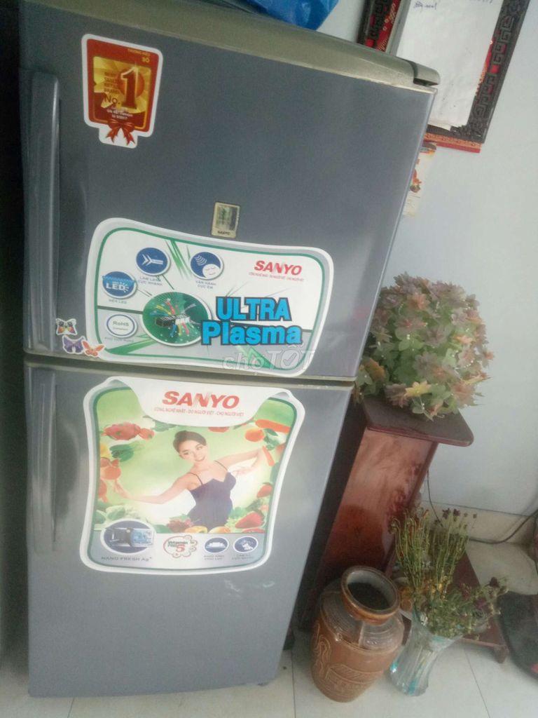 0862681504 - Tủ lạnh Sanyo 200L ko đóng tuyết
