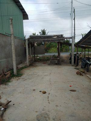 Bán 4m5m6m7m dài 27m mặt tiền QL57 Tân Phong