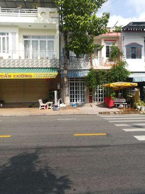 Nhà mặt tiền đường Nguyễn văn Tre
