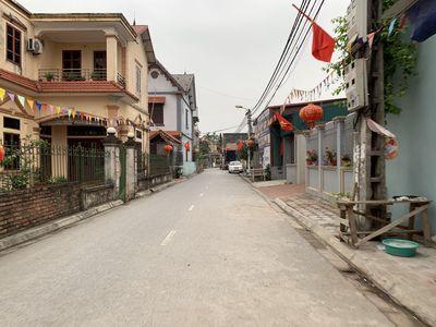 Bán lô đất mặt đường xóm 8 Đông Dư, ô tô tránh