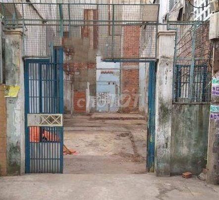 Thua lỗ bán gấp nhà nát Cao Thắng 60M2 P.12 quận10