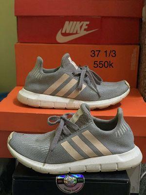 Cần bán giày adidas size 37