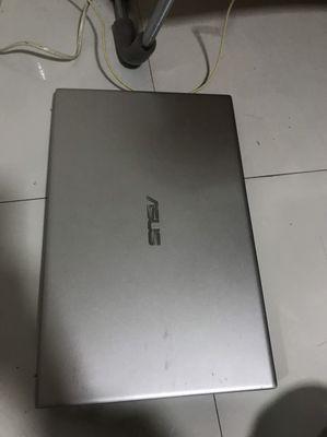 Asus VivoBook 15 còn mới . Cấu hình xem ở ảnh