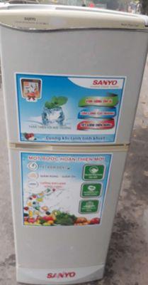 Tủ lạnh 143 lit SANYO