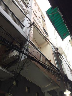 Nhà NC HXH 270/63 Lãnh Binh Thăng cách MT 4 căn.