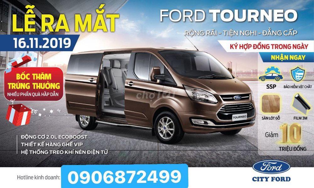 Ford Tourneo 2019 7c KM Mùa Tết alo