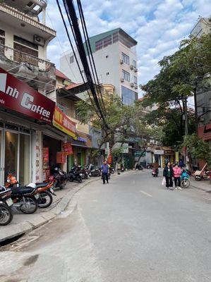 Nhà phố Tô Vĩnh Diện , Gần phố, Mới xây, Ngõ đẹp