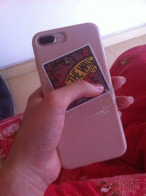 Iphone 8 plus màu vàng hồng