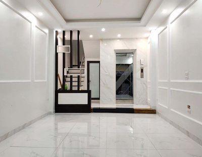Cần bán nhà đẹp có thang máy, gara ô tô, Ngọc Lâm