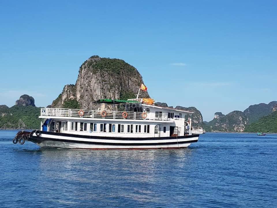 Chuyên ghép và cho thuê du thuyền Vịnh Hạ Long