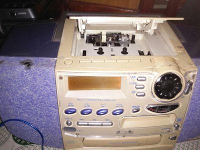 Bán 2 Đài cassette radio casio và sharp nhật