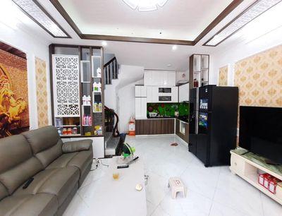 Nhà HOÀNG MAI, gần phố, sẵn nội thất – 3.4 Tỷ