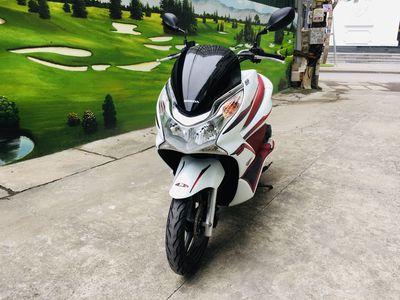 Honda PCX 125 màu trắng đỏ biển 29 xe ít đi