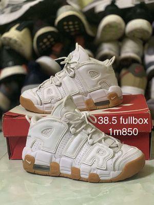 Cần bán giày nike size 38.5 real ạ