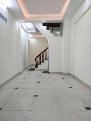 Ở ngay mới xây Trương Định, 35m x 5T, ngõ thông