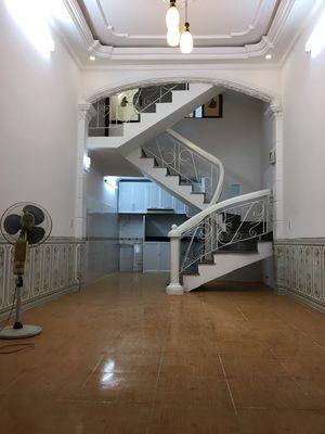 Nhà 3 tầng ngõ nông Lạch Tray, 36m2, giá 1 tỷ 390