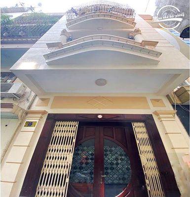 Bán nhà ngõ  trung tâm thành phố đường Trần Phú