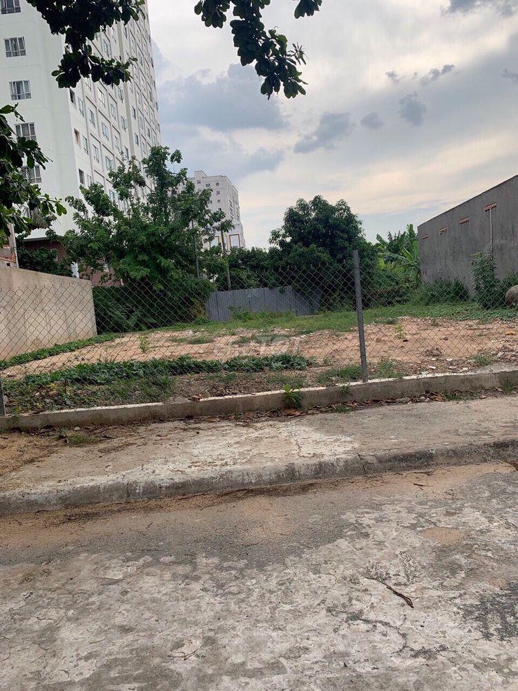 Cần vốn bán lô đất đường Đồng Đen, Tân Bình