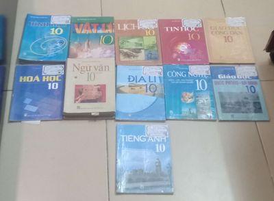 Pass sách giáo khoa lớp 10