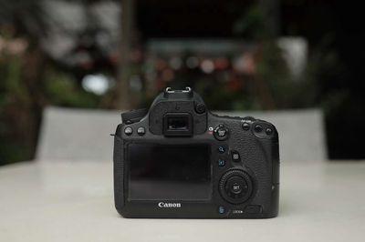 Máy ảnh 6d khoảng 90k shot