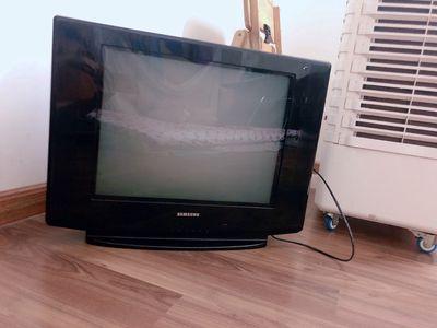 TV SAMSUNG 21 INCH còn mới đang sử dụng tốt