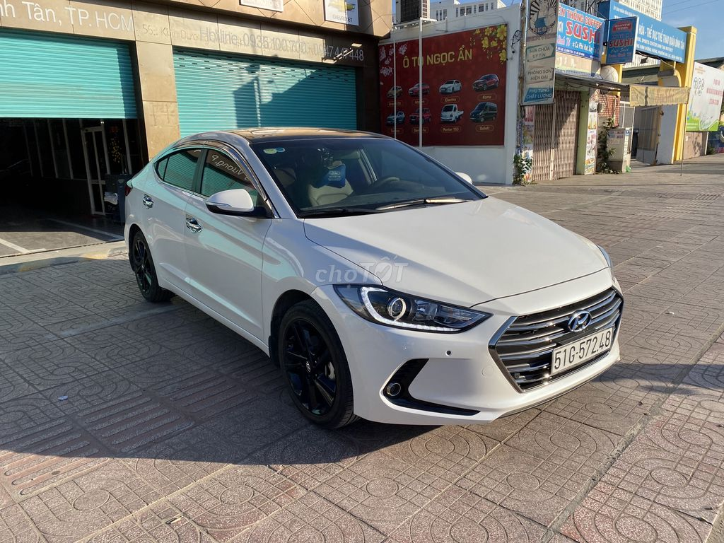Hyundai Elantra 2018 - Ít đi - Giá rẻ