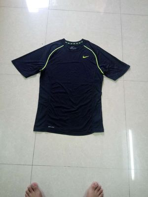 Áo T -shirt NIKE size M -Made in China