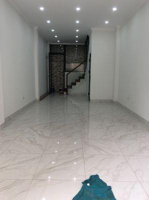 Nhà 40m2 Xây Mới 5 Tầng.Kinh Doanh,Oto Vào. 4,7ty