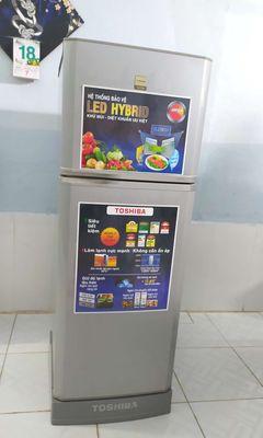 Tủ lạnh toshiba 160, 2 ngăn.