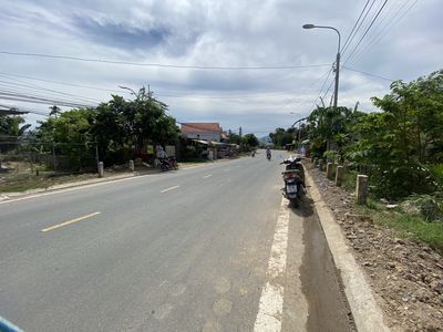 Đất Diên Hoà mặt tiền HL39 -Cách Trường TĐN 300m2