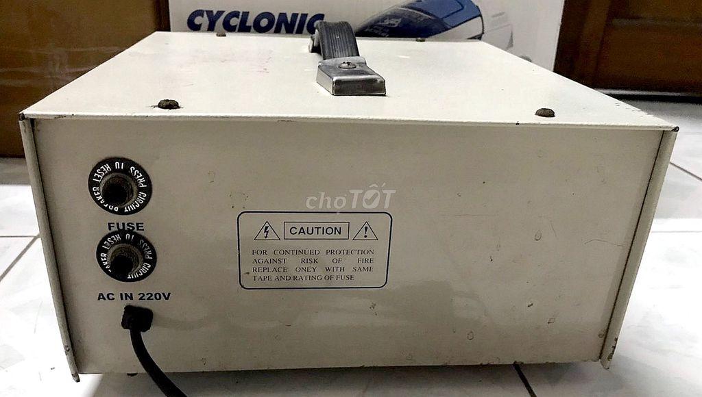 0901957904 - - SANSHUN 1000VA, DC- AC Inverter & Charge, máy ch
