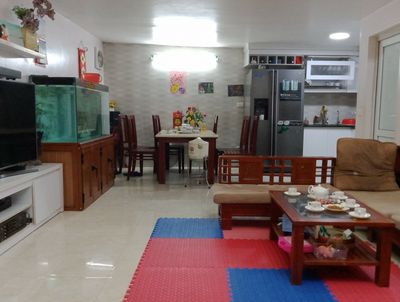 Chính chủ bán nhà ngõ 320 Âu Cơ, gần chợ Quảng An