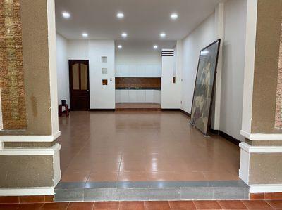 Nhà biệt thự Lạc Long Quân-Q11, 9*18m
