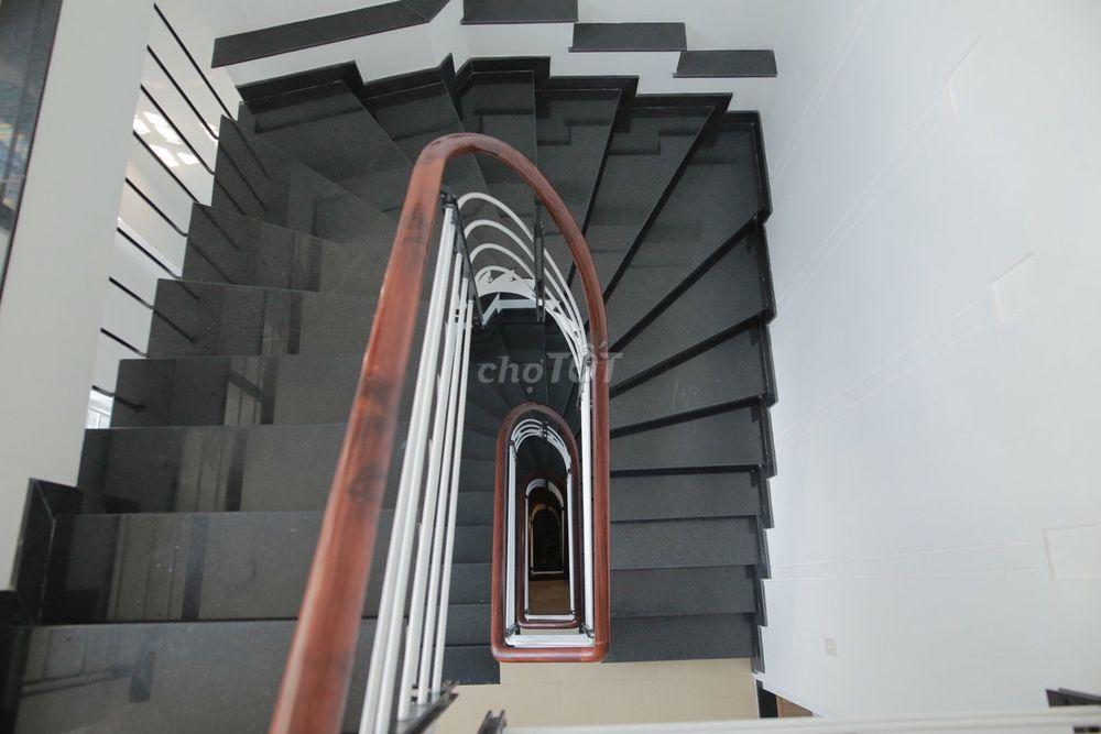 Bán nhà Bùi Thị Xuân (5x16.2) 5 tầng 18.5ty